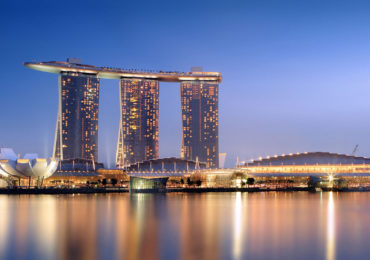 1280px-Marina_Bay_Sands_in_the_evening_-_20101120